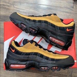 NIKE AIR MAX 95 ESSENTIAL men's running shoes